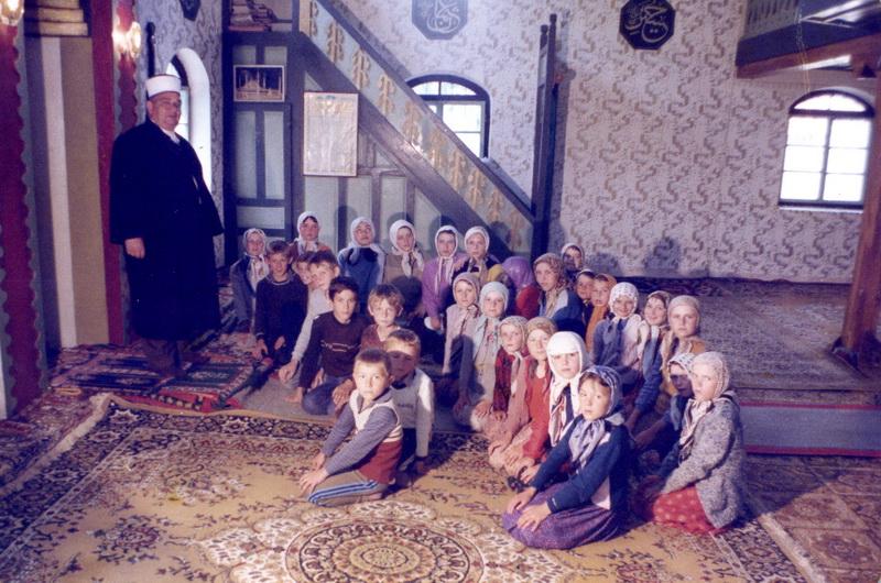 Osman ef. Lugavić na vjerskoj pouci u Hrvatima