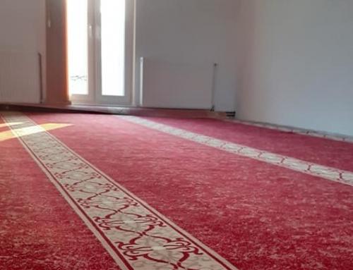 Nova prostirka i nove zavjese u mesdžidu u Aljkovićima