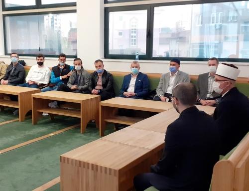 Susret muftije Fazlovića s mladima: Znanje je ključ za vrata svake riznice